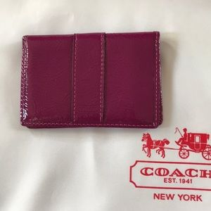 Coach NWT Patent SV/Berry card case